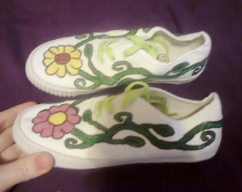 New SOFIA Hand Crafted Spring Flowers Design Girl's Pumps/ Lace Up Shoes Size UK 13 Free UK P/P