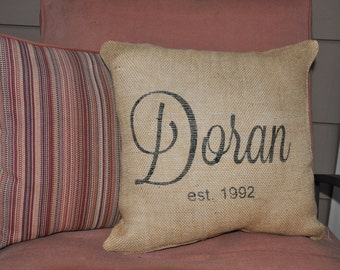 Custom Personalized Name / est. Pillow Cover -- 100% Burlap Pillow -- Wedding Decor -- Wedding Gift -- Custom Pillow -- Personalized Pillow
