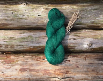 SALE - Linen Yarn, Emerald Green High Quality, Linen Yarn For Crochet, Knitting