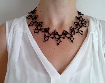 Black Elegant Tatted Lace Necklace