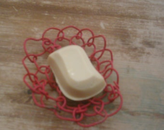 Looped upcycled wire soap dish