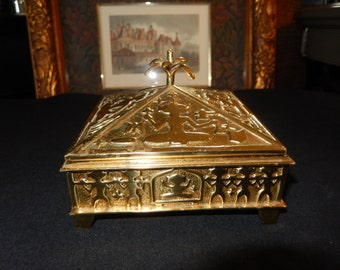 INDIA BRASS BOX with Lid