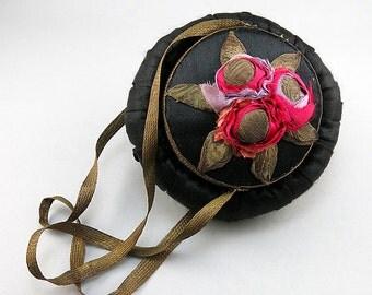 Antique Purse Silk Metallic Thread Embelished Powder Purse Antique Accessories Antiques Collectibles