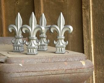 Cast Steel Decrotive Fleur De Lis
