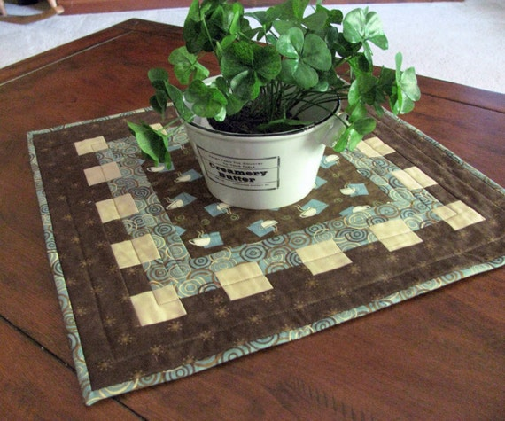 17 Coffee Themed Quilted Table Mat In Warm Tones Of