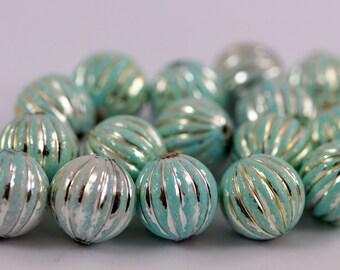 20 pcs  Verdigris Plastic Beads , 15 mm , Vintage German Beads , Lucite Beads  - bk124