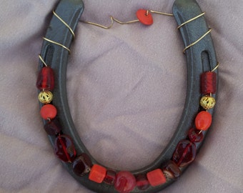 Red Beaded Horseshoe A3423