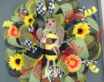 Bumble bee Wreath, Summer Wreath, Spring Wreath, Bumblebee Wreath, Bee Wreath, Garden Wreath, Mothers Day gift