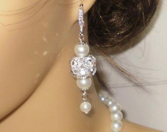 Pearl and Crystal Bridal Earrings. Wedding Earrings, Pearl Dangle Earrings,, White Pearl Earrings, Special Occasion Earrings, Prom Earrings