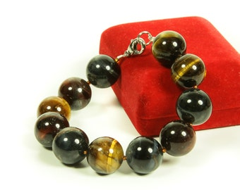 Tiger eye gemstone bracelet.