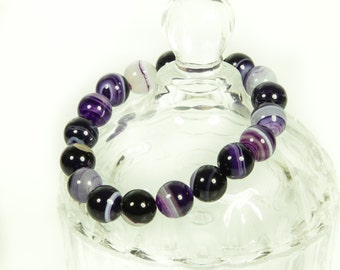 Gemstone stretch bracelet.