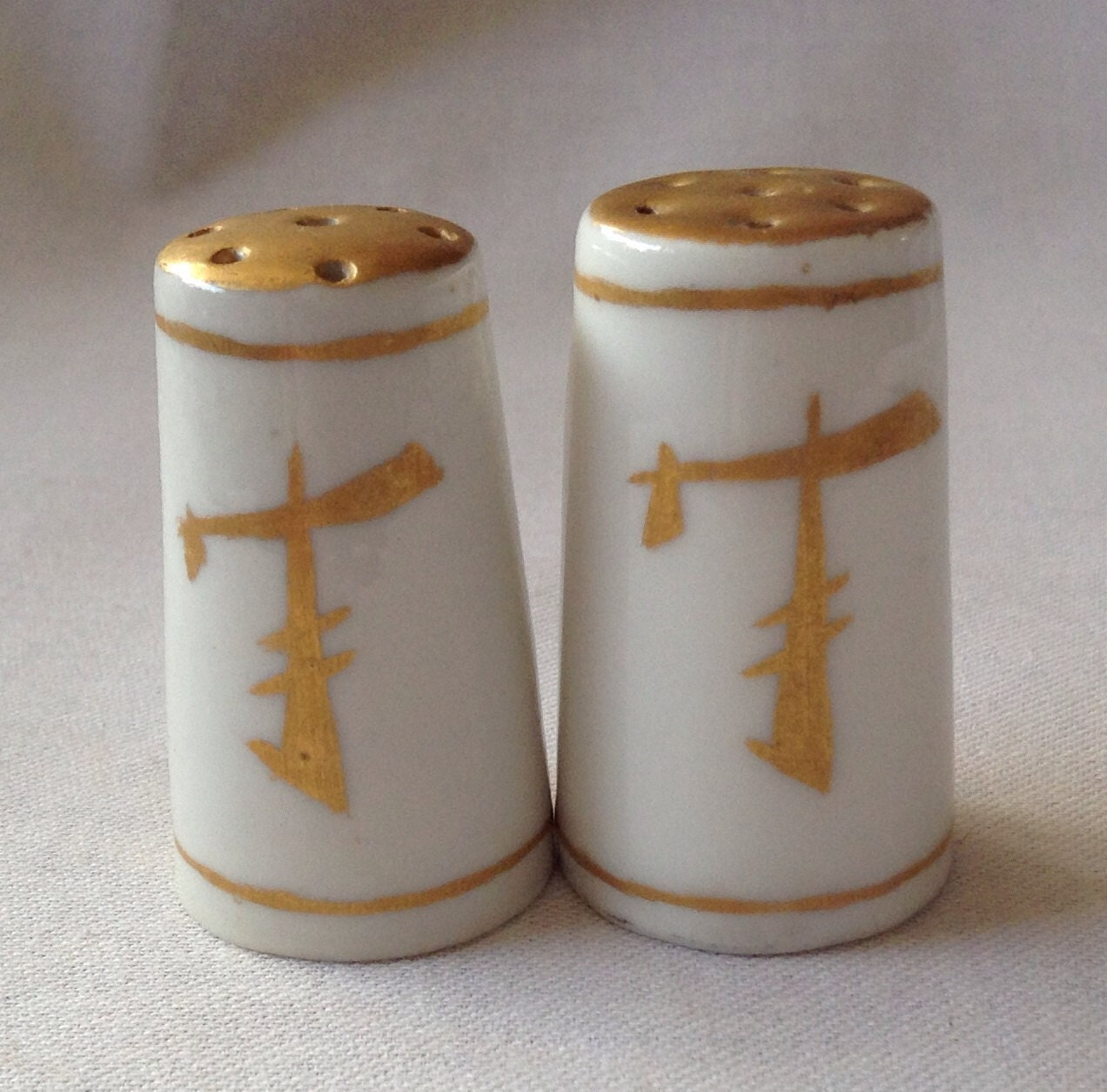 Vintage From The 70 S Pretty Little Salt And Pepper