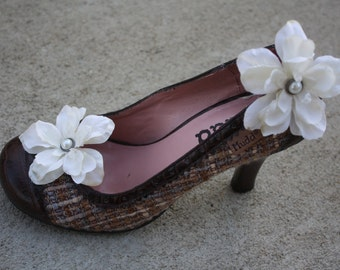 Ivory Flower Shoe Clips-Toddler Flower Shoe Clips-Women/Bridal Flower Shoe Clips-Ivory/Pearl