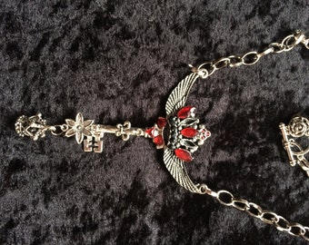 Red Royal Angel, gefügelter pendant, winged Crown, fantasy Schmucck.