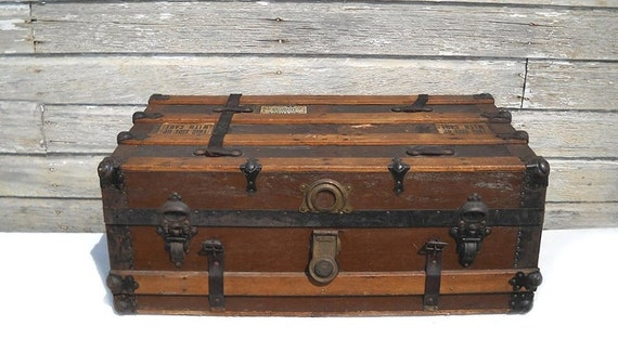 On Hold Vintage Steamer Trunk Coffee Table Flat Top