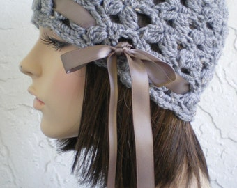 hand crochet cloche beanie hat ~ scallop hat ~ grey tweed