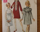 Vintage 60s mini dress sewing pattern. Simplicity 7932. Size 13-14. 0358