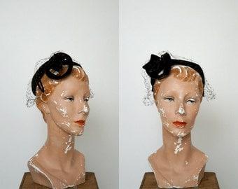 1950s Velvet Hat --- Vintage Evelyn Varon Hat