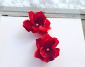 Red Hair Flower Set, Bridal, Pearls,  Gold, Wedding, Small, Set of 2, Clip