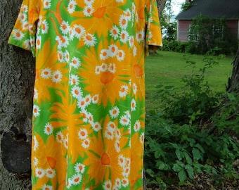 Vintage 60s Aikane Fashions Hawaii S M Muu Muu Dress Brushed Cotton Bold Floral Orange and White Daisies