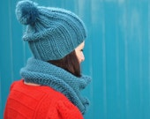 The Lazy Bobble Hat in Teal