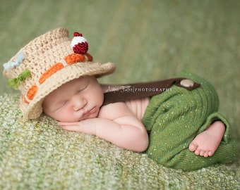 Newborn Fishing hat with removable bobber and flies