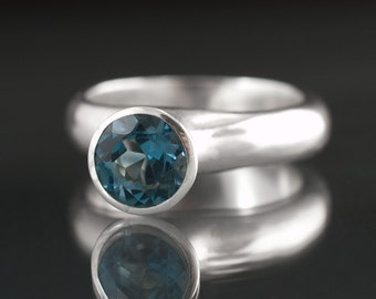 Luna Ring with London Blue Topaz in Sterling Silver, size 7.25 to 8