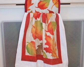 Hanging Kitchen Dish Towel - Pot Holder/Dish Towel Combo in Autumn Leaves - Hanging Hand Towel for Easy Accessibility - Handy Kitchen Towel