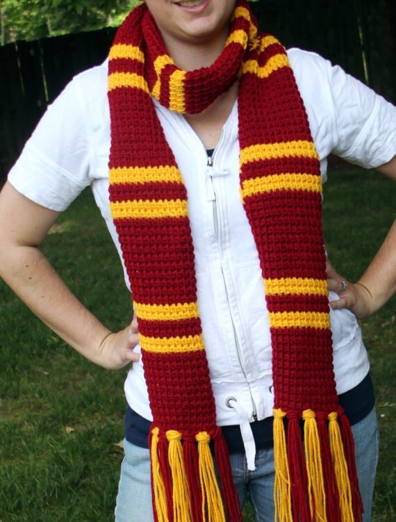 """Gryffindor """"Harry Potter"""" scarf - newer style"""