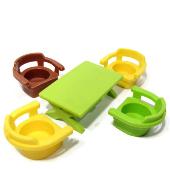 Fisher Price Little People Set of Table and Chairs by