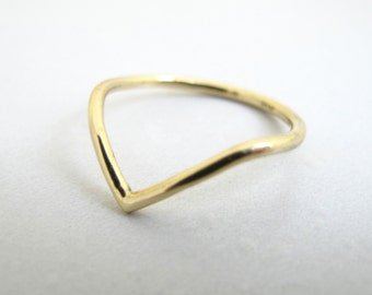 Point Ring - 18k Yellow Gold Chevron Peak and Valley Minimalist Triangle Stackable Ring