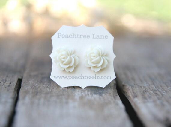 Cream Ivory Rose Flower Earrings << Bridesmaid Gifts >> Bridesmaid Earrings << Floral Earrings