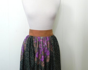 Vintage 1960s Skater Skirt - 60s Short full  Skirt great wild flower print in green and purple S - on sale