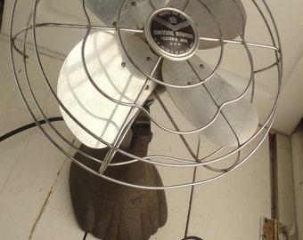 1950s Vintage Manning Bowman Electric Fan Black Chrome Works