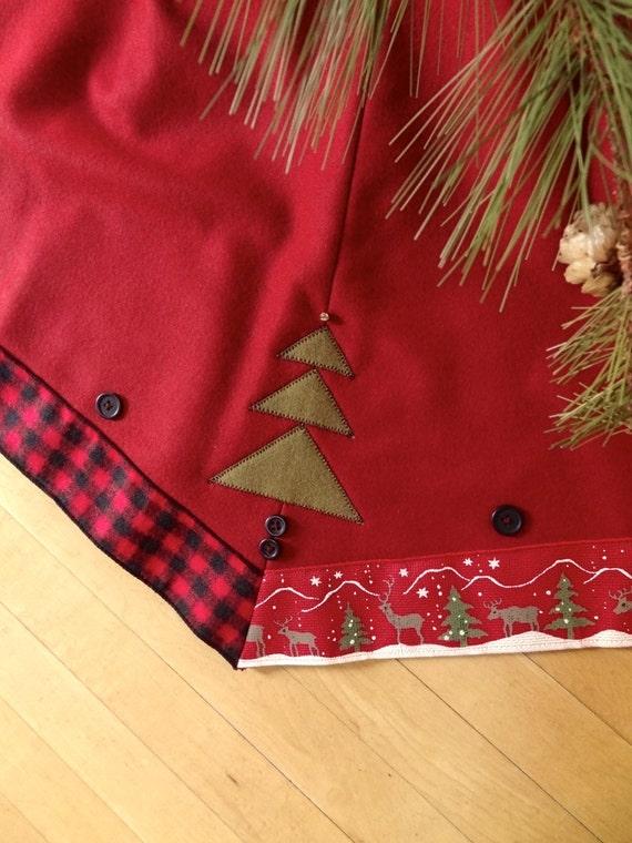 Wool tree skirt