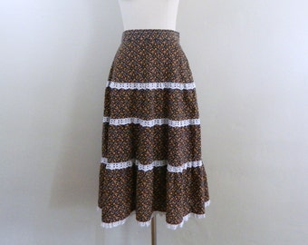 Vintage 70s Floral Midi  Skirt  ..  1970s Prairie Skirt with Lace Trim  ... Size Small to Medium