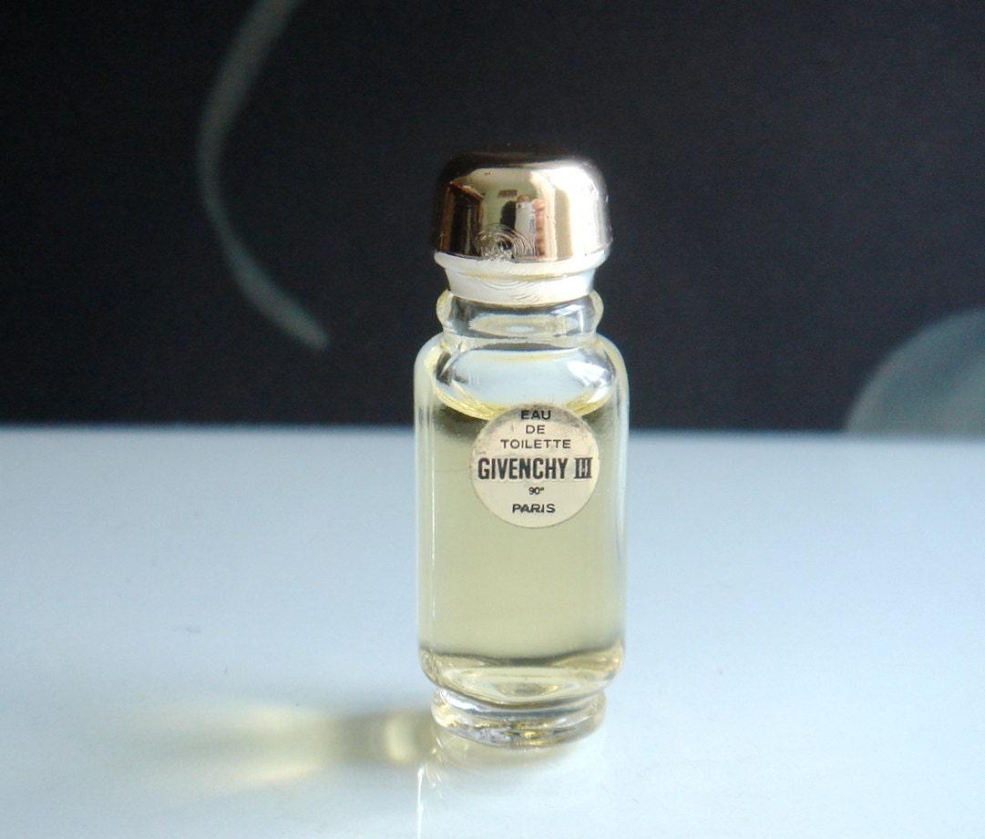 Vintage givenchy iii eau de toilette par bouteille miniature for Deboucher toilette avec bouteille