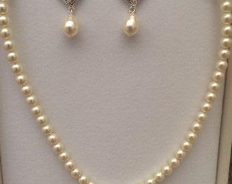 Swarovski cream necklace and earrings with swarovski filigree (silver)