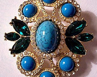 Blue Green Crystal Pin Brooch Necklace Pendant Gold Tone Vintage Cabochon Speckled Domed Beads Green Glass Leaves Rhinestone Encrushed Rings