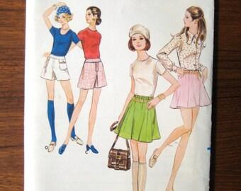 Butterick 5748 - 1960s Flip Mini Skirt - Teen Mini Pantskirt Pattern - Teen Sewing - Waist 29 - Hips 40 - Vintage Sewing Pattern