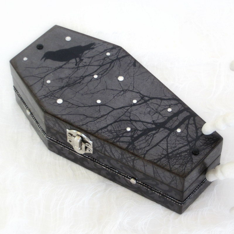 halloween coffin box goth gothic black coffin raven spooky. Black Bedroom Furniture Sets. Home Design Ideas
