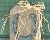 Lucky Horseshoe on Reclaimed Wood, Horseshoe Plaque, Rustic Home Decor, Farmhouse Decor, Horse Decor, Western Decor,