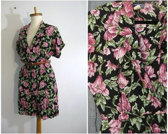 80s Rayon Romper / Dark Floral romper. Grunge Floral Baggy shorts. Floral culottes Small Medium Romper Playsuit s m / sixcatsfunvintage