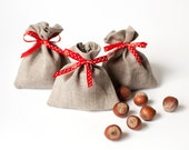 Wedding favors small 10 linen gift bags - Rustic linen gift bags with red polka dot ribbon