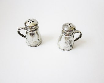 Ye Olde Tavern Pewter Salt And Pepper Shakers - Vintage Steins - Weidlich Brothers - Primitive Colonial Style Decor - Reenactment - Theme