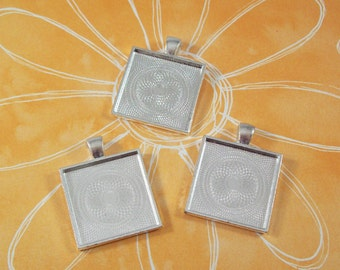 "SALE 25 Square Pendant Trays 1"" Inch Silver Plated Blank Bezel for Cabochons Necklaces 25mm"
