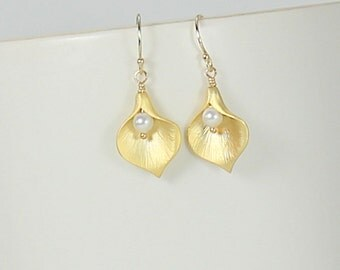 Calla Lily Earrings - Gold - White Pearl - Calla Lily Jewelry - Wedding Jewelry