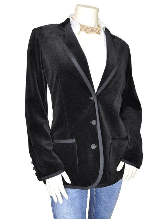 Find womens velvet blazer at ShopStyle. Shop the latest collection of womens velvet blazer from the most popular stores - all in one place.
