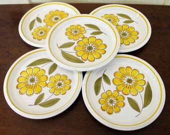 Vintage Set of Five Mikasa 'Light & Lively' Salad Plate w/Yellow Daisies (E3154)