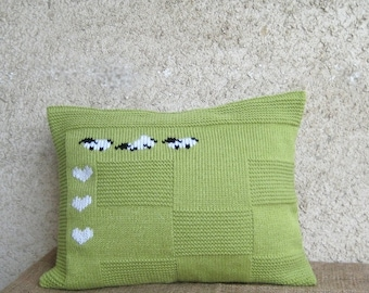 Decorative Sheep Heart Pillow Case, Lumbar Apple Green Cushion, Knitted Embroidery Wool Acrylic Pillow Case, Rustic Home Decor, 12 x 16